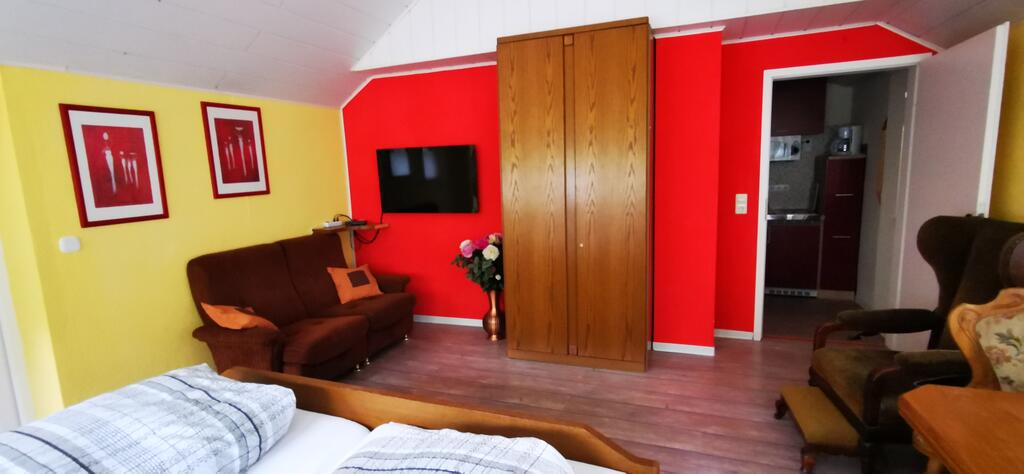 Apartment 3, Blick ins Zimmer